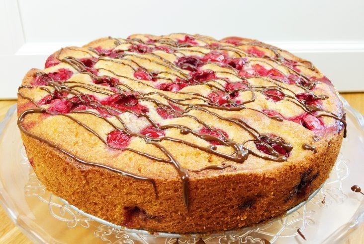 Mars Torte Mit Karamell Gefullter Gugelhupf Kuchen Mit Schokolade